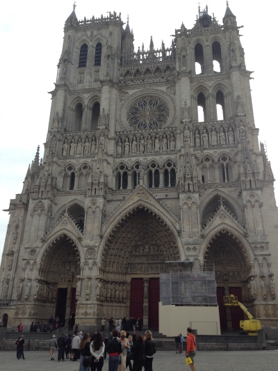 Cathredal Amiens, front view