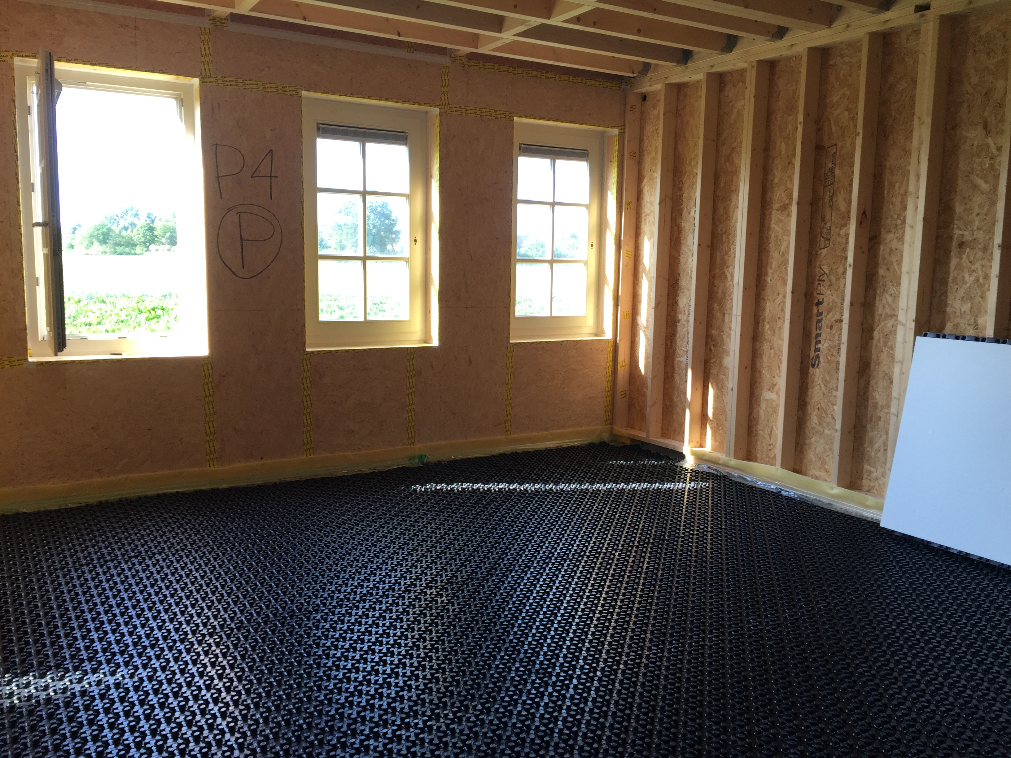 Floor heating system the shed for Best heating system for new home